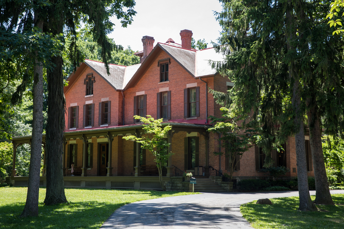 Built from 1859 to 1865, this 31-room mansion on the Spiegel Grove estate in Fremont, Ohio, was home to America's 19th president, Rutherford B. Hayes.
