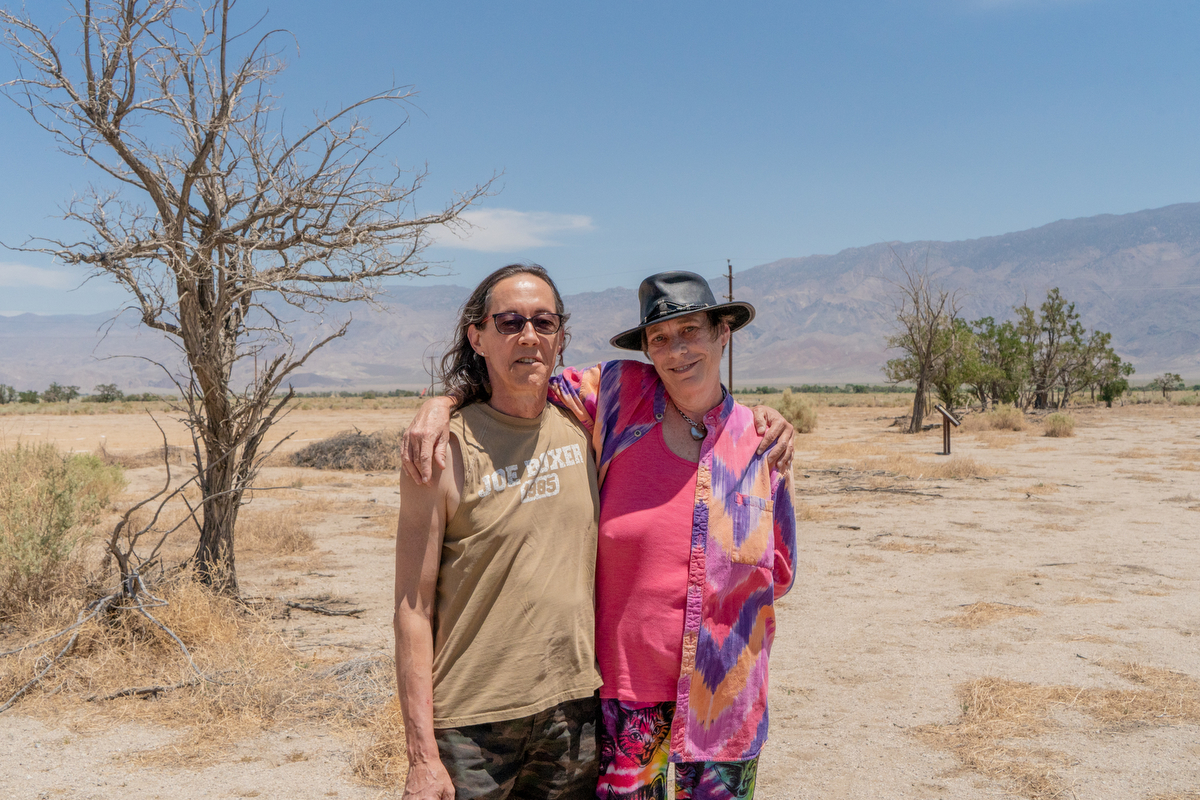 Elizabeth and Terry Vance have been divorced for more than 20 years, but they still travel together. A recent trip brought them to Manzanar Historic Site. (Lenny Martinez Dominguez/News21)